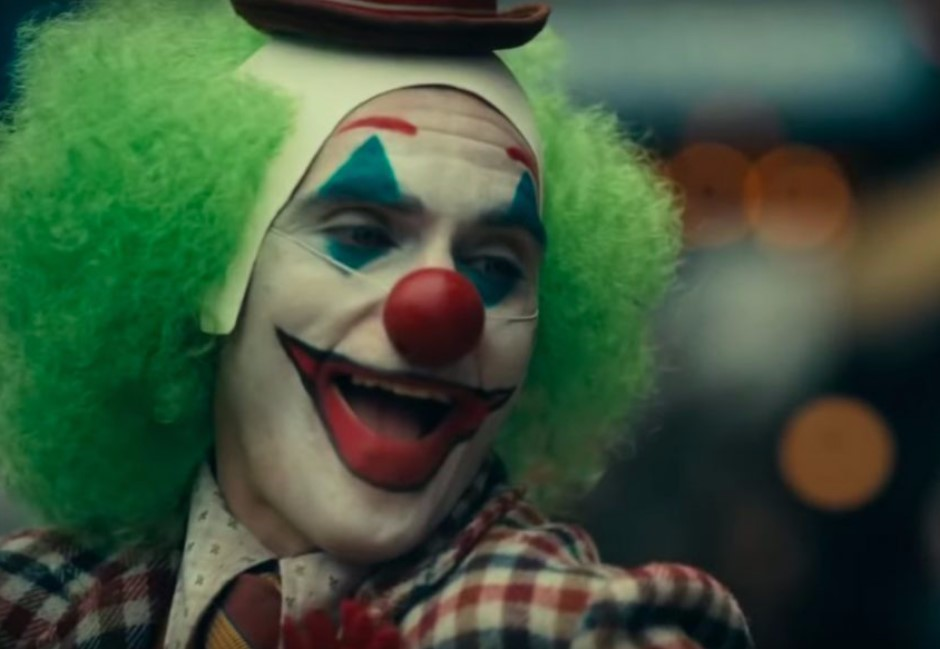 「小丑」大笑的真正原因?瓦昆曝跟罕見疾病有關